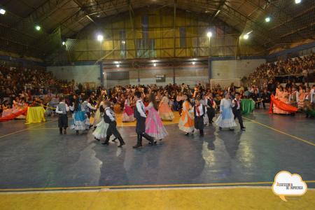Entardecer Cultural encanta com belas apresentações
