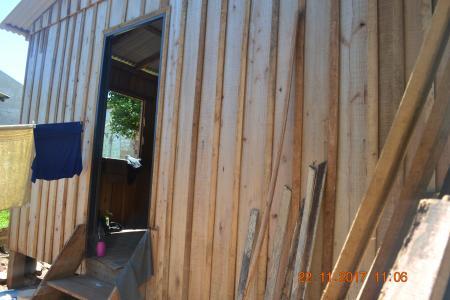 SMDSH realiza construção de cômoda em moradia popular