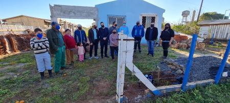 32 famílias são beneficiadas com rede de água