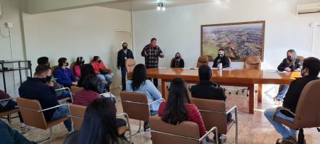 Reunião preparatória para estagiários das escolas municipais